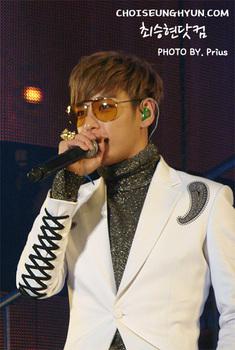 Big Bang TOP_002-1.jpg
